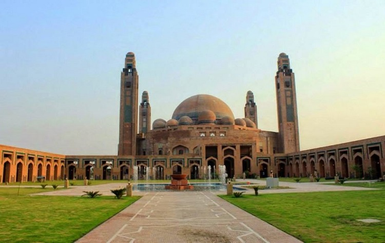 Most Amazing and Beautiful Mosques