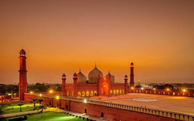 Badshahi Mosque - Lahore1