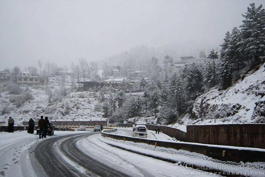 Murree Expressway Covered With Snow