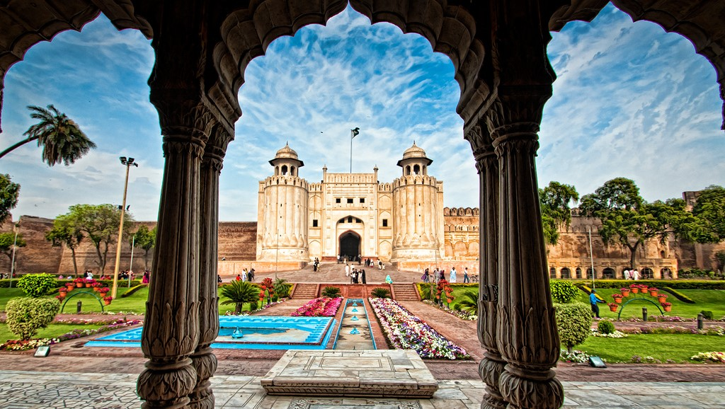 A Wonderful Picture of Shahi Qila