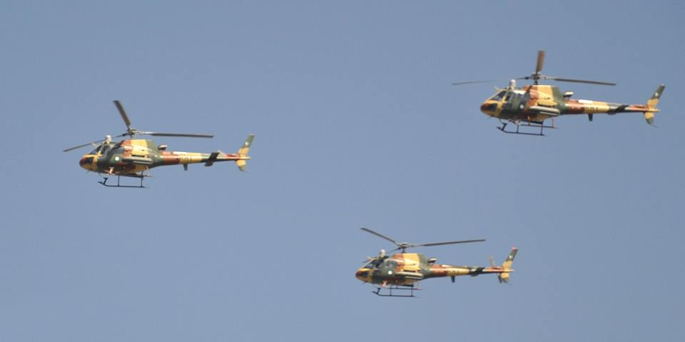 32 - Pakistan Army Helicopters going towards parade ground 1