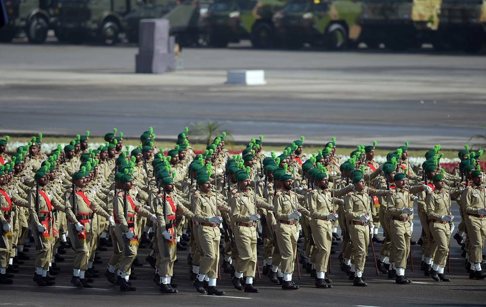 7 - Pakistani Army Soldiers March Past Duirng Pakistan Day Parade