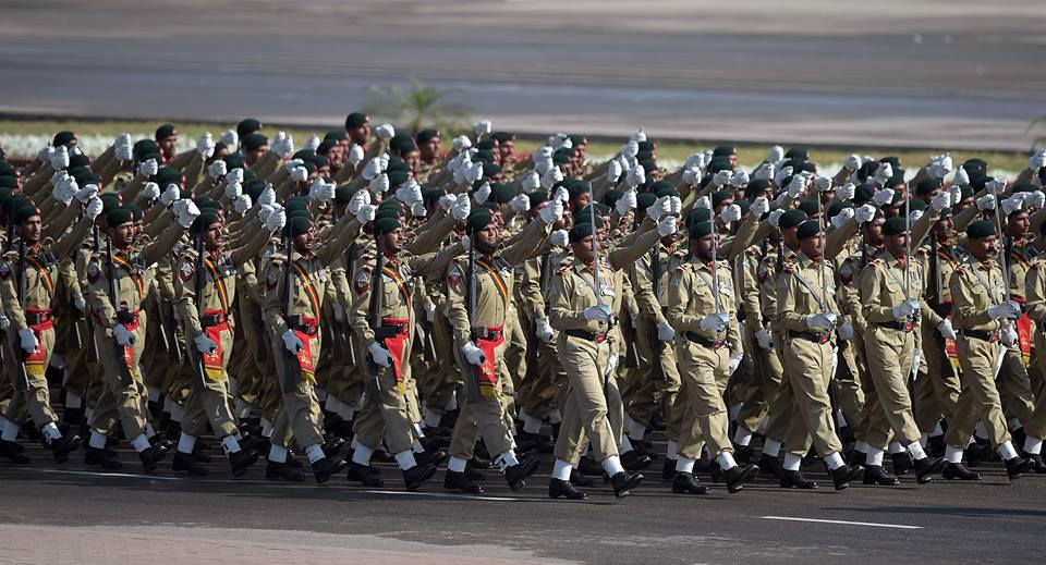 9 - Pakistani Soliders March Past