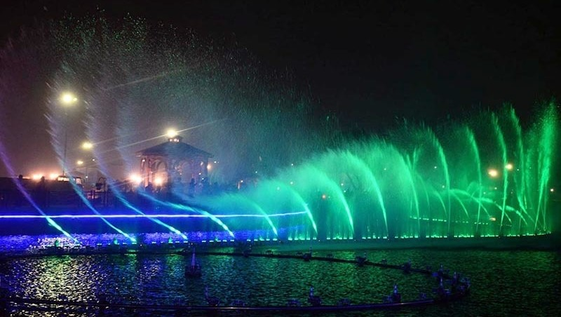Dancing Fountains Lahore 2