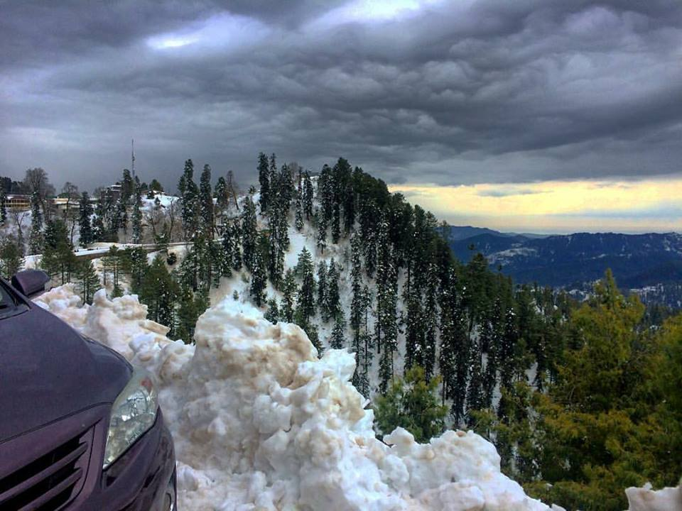 18 - Spectacular view from Changla Gali near Murree