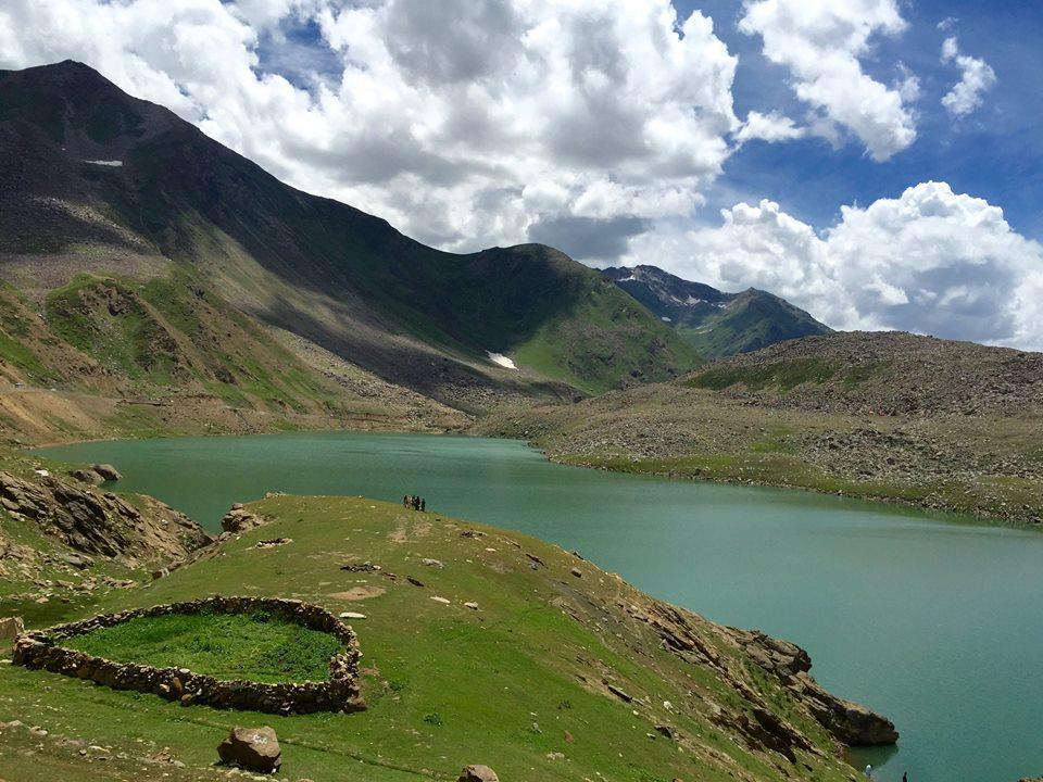 20 - Lulusar Lake