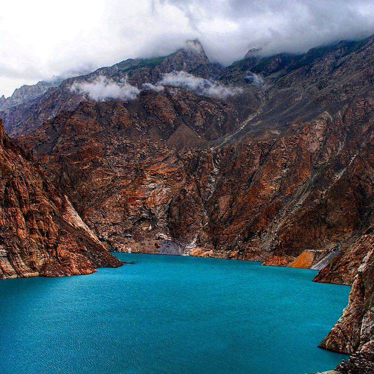 35 - The Blue Waters of Attabad Lake Will Leave You Amazed
