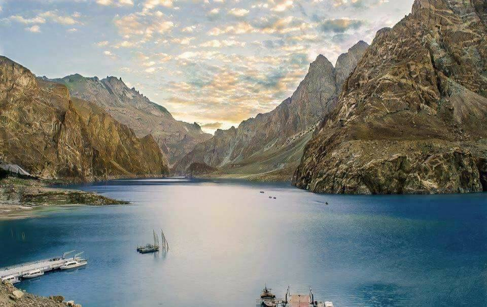36 - Attabad Lake Seems Something Out of A Hollywood Fanatasy Movie