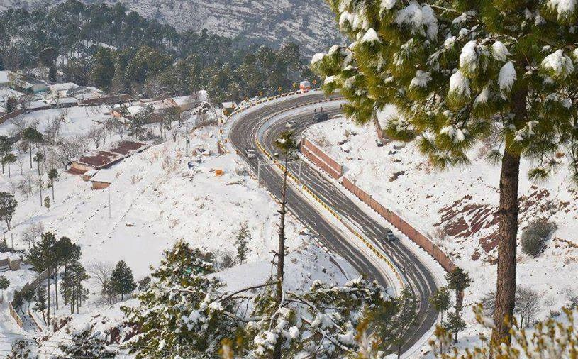 37 - Murree Expressway looks wonderful when it gets covered by snow