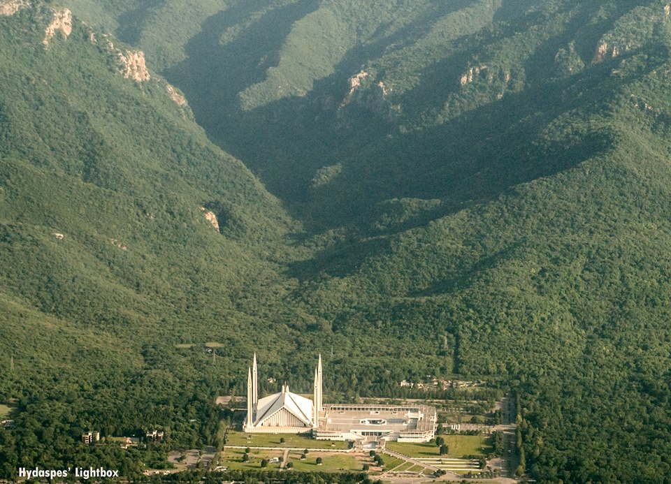 8 - Margalla Hills and the Faisal Mosque