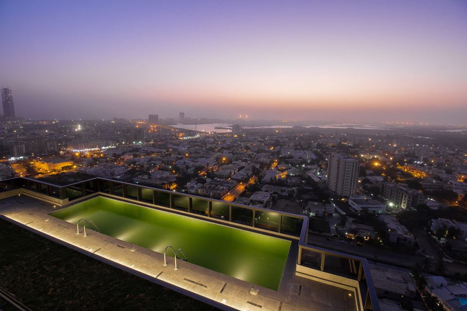 17 - Swimming Pool on top of the 28th Floor of G-4 Corporate Tower - And Also the Spectacular View of Karachi - Woah