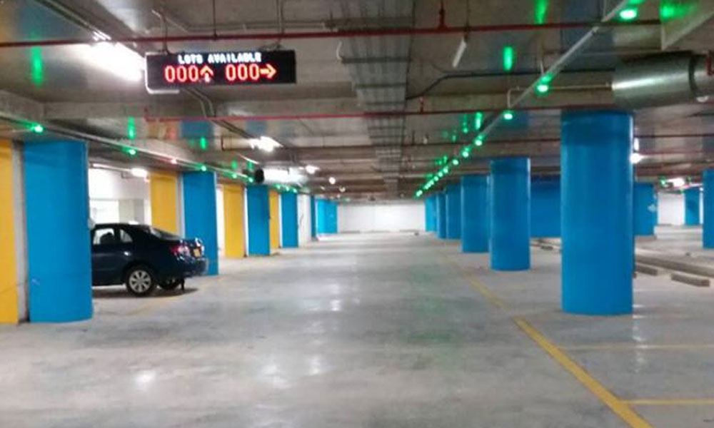 20 - Lucky One Mall Parking