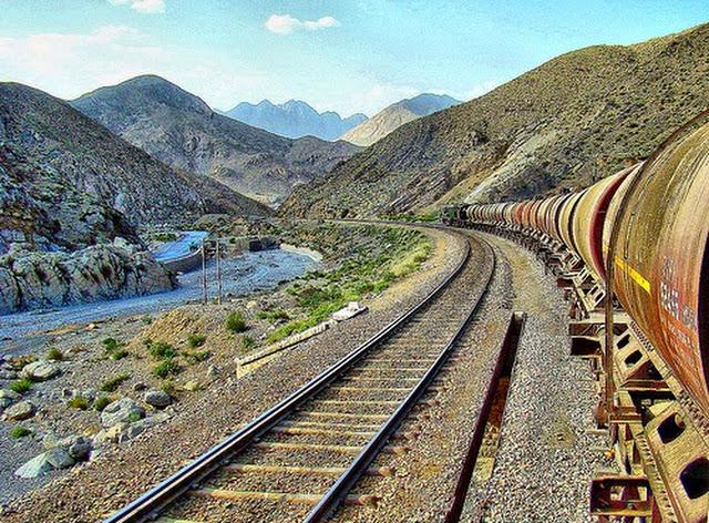 4 - Bolan Curves in Balochistan
