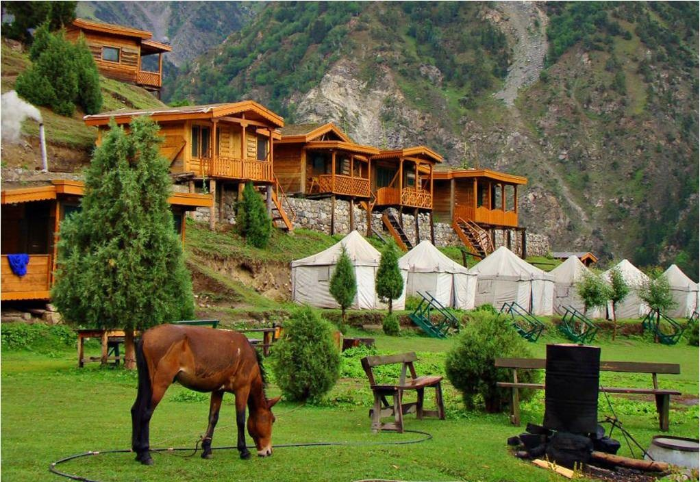 6 - Laila Peak - Camp Village - Hushe Valley