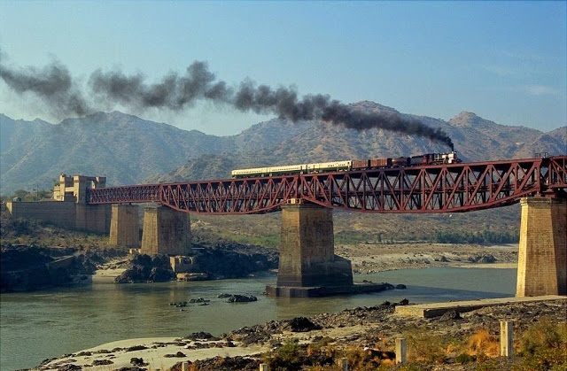 6 - Steam Engine Train on Attock Bridge 1
