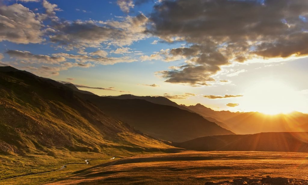 8 - Spectacular SunRise at The Deosai National Park