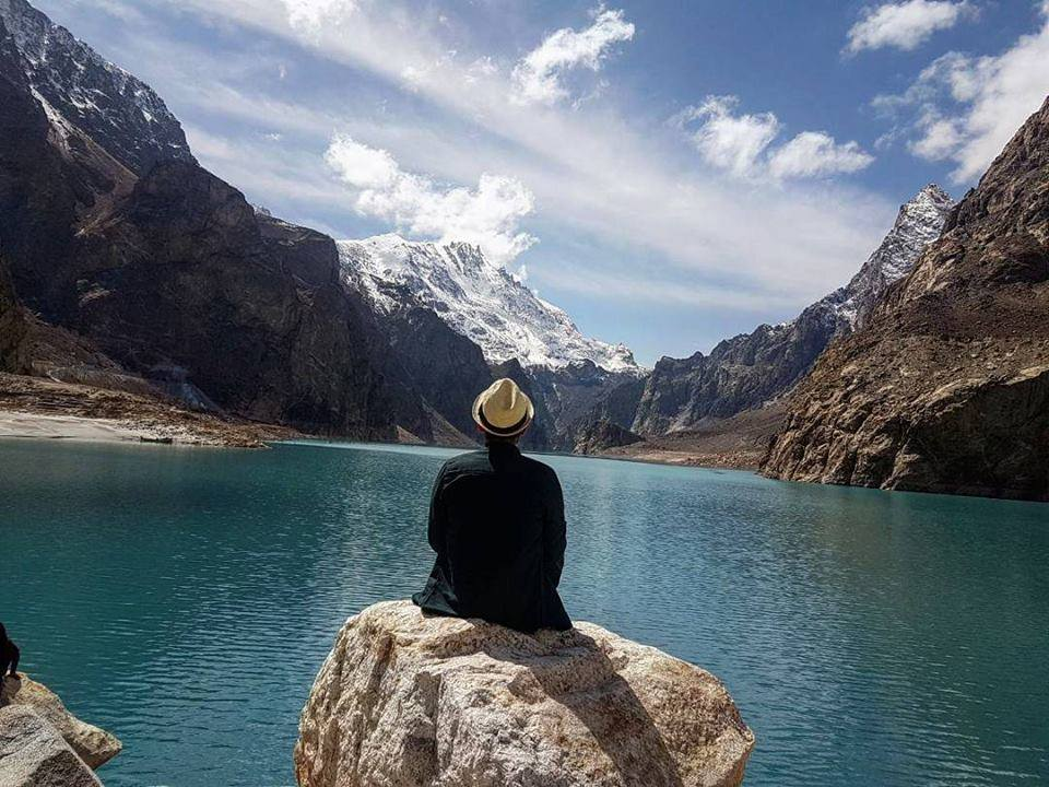 18 - Attabad Lake - Relax