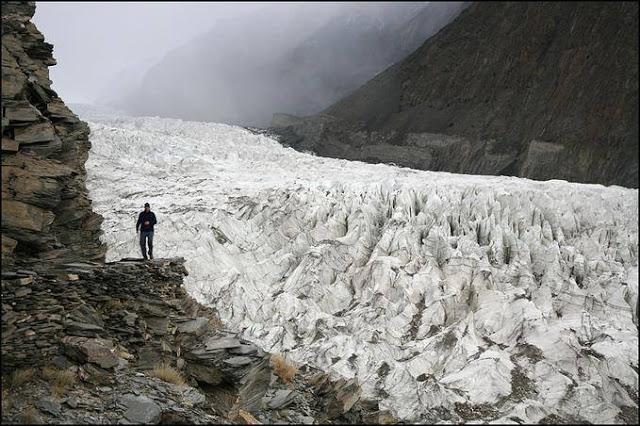 2- Passu Glacier