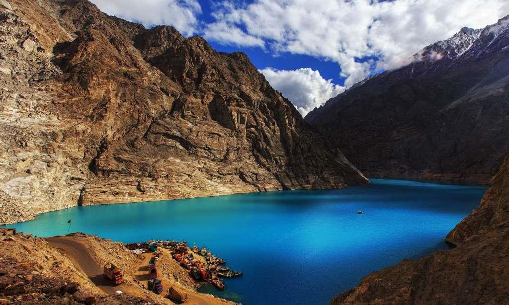 9 - Attabad Lake