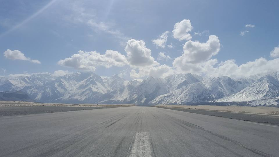 17 - This is what it looks like from the cockpit of an aircraft while taking off from the skardu airport