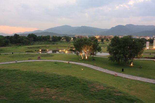 18 - Fatima Jinnah Park View